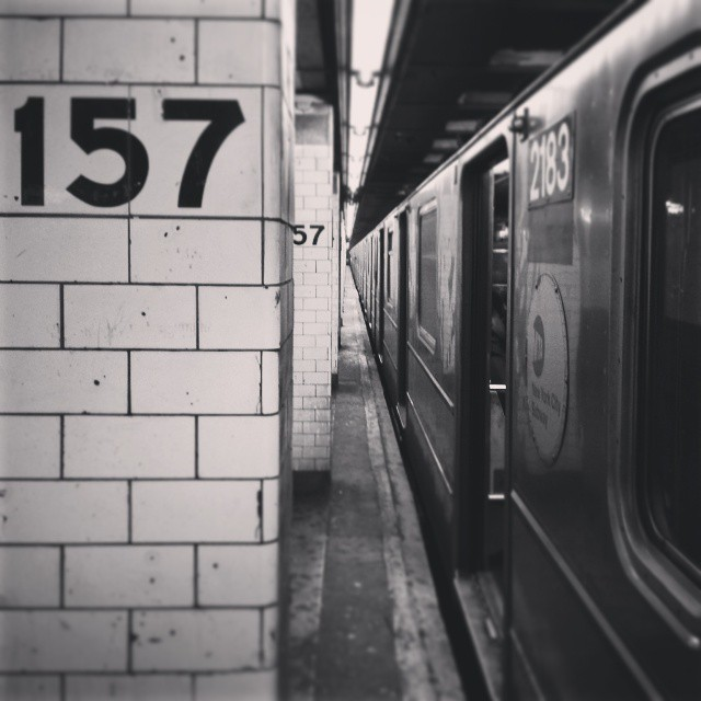 1 Train Station 157th Street - Washington Heights